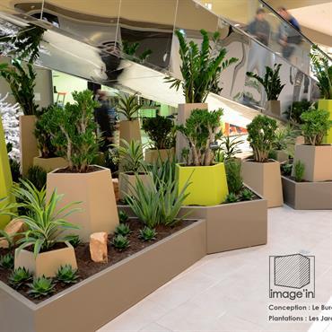 Le Centre Commercial L'ILO à Epinay sur Seine fait peau neuve ; Et pour cela il choisit les jardinières Image'In ... Domozoom