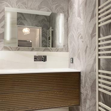 L'architecture d'intérieur dans de petits espaces est aussi notre spécialité, ici la rénovation complète d'une salle de bain à Lyon, ... Domozoom