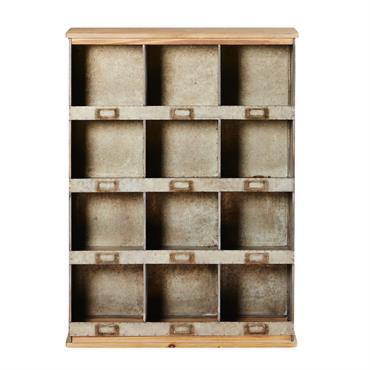 Transformez votre intérieur en un joli atelier grâce à l' étagère 12 compartiments en sapin et métal TIMEO . Conçue en métal et sapin, elle est composée d'une finition en ...