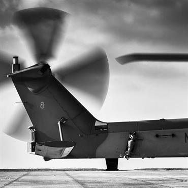 Photos d'avions et d'hélicoptères en noir et blanc de la Marine Nationale en Bretagne  Domozoom