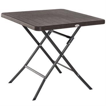 Cette table de jardin pliante vous permettra de manger jusqu'à 4 personnes très confortablement. Parfaitement adaptée pour le jardin, balcon mais également pour le camping, cette table deviendra vite indispensable. ...