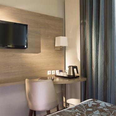 Hôtel 3 étoiles rénovation complètes des chambres, 1ère tranche.  Domozoom