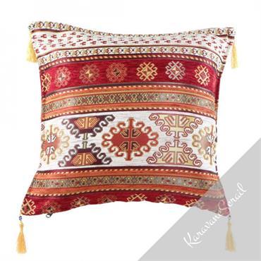Un coussin oriental amènera un touche d'exotisme et de couleur à votre décoration. A utiliser sans modération !  Domozoom