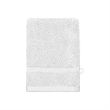 Le gant de toilette SENSILK en taille 16x22cm vous nettoie sans agresser la peau.Composé en coton et modal, fibre naturelle issue du bois de hêtre, l'union de ces deux matières ...