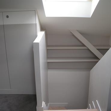 Combles récupérées pour optimiser l'espace appartement du dernier étage  Domozoom
