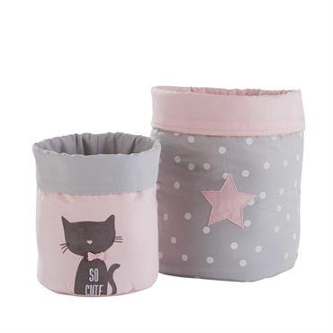 RANGEZ EN DOUCEUR ! Entre praticité et fantaisie, les 2 paniers de rangement en coton gris et rose CATS se fondront à merveille dans la chambre de votre petite princesse ...
