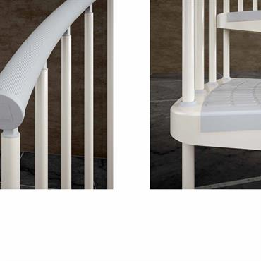 Escalier en acier, main courante et couvre-marches gris.