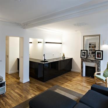 La cuisine, la salle d'eau et le couloir de cet appartement ont été restructurées pour les agrandir et le rendre ... Domozoom