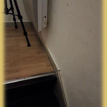 Projet de rénover une cage d'escalier complet. Création d'un plafond complet, enduire tout les murs, insérer une verrière et rénover ... Domozoom