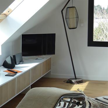 Les propriétaires de cette jolie maison située dans le Morbihan ont fait appel à Un Amour de Maison pour concevoir ... Domozoom