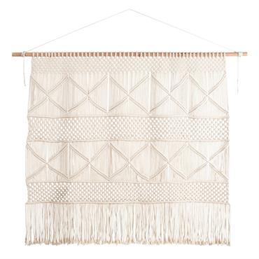 Tendance bohème par excellence, la tête de lit macramé en coton et corde ALAWA est l'élément déco indispensable pour peaufiner le style ethnique de votre chambre. La baguette en bois ...