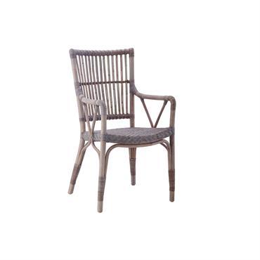 Fauteuil Piano de la collection Originals de la marque Sika-Design. Ce fauteuil en rotin est conçu pour vos moments de détente, mais il pourra aussi être utilisé comme fauteuil de ...