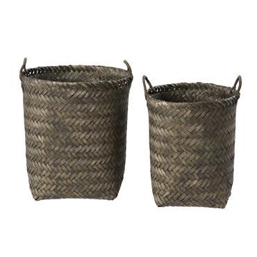 Gros coup de cur pour les 2 paniers gris anthracite NARMADA . On craque pour leur structure en bambou tressé qui insuffle un charme artisanal, et la teinte gris anthracite ...