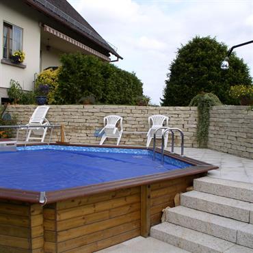 La piscine est un grand bonheur l'été mais elle n'est rien sans la plage de piscine et ses abords paysagés ... Domozoom