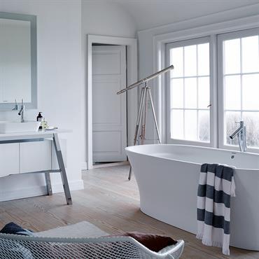 Découvrez les plus belles réalisations de salles de bains spacieuses.  Domozoom