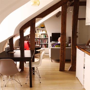 Renovation complete d'un appartement parisien sous les combles  Domozoom