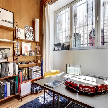 Shooting photo réalisé par Meero pour une agence immobilière à Bordeaux.  Domozoom