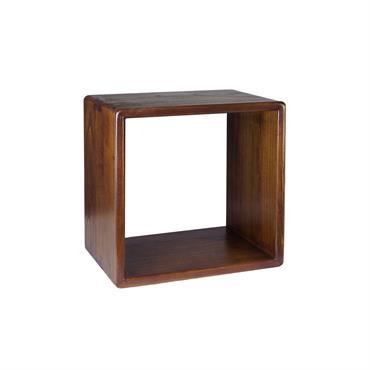 L'étagère carrée de la collection NORDIC est faite en bois demindiet a une touche casual grâce à ses côtés arrondis. Fait en bois massif et aucun montage n'est requis. Système ...
