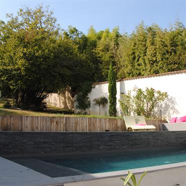 Construction d'une piscine contemporaine