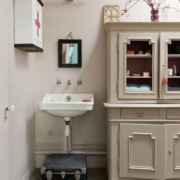 Qu'on se le dise, la salle de bain tendance ne se résume pas aux ambiances épurées. Le moderne en aménagement ... Domozoom