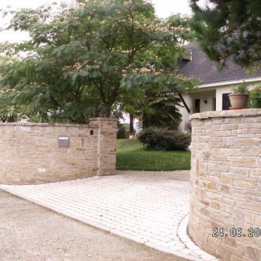 Muret pierre, pavage, jardin  Domozoom