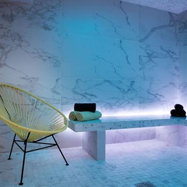 Création d'une salle séminaire et lounge modulable, ainsi qu'un espace bien être pour un hôtel 4 *  Domozoom