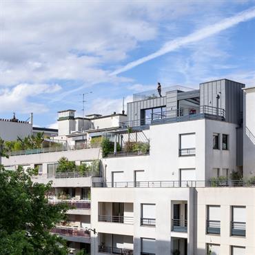 Programme : Surélévation d'un appartement Lieu : Paris 13 Maître d'ouvrage : Particulier Mission : complète Avancement : en cours Surface : 120 m² Thématique : ... Domozoom