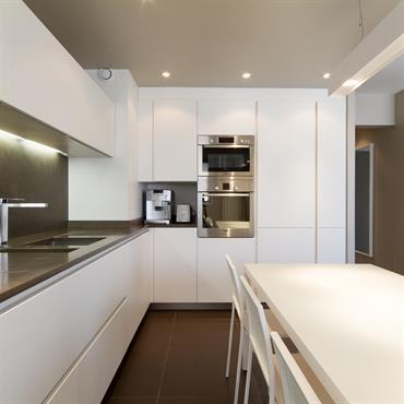 Réhabilitation d'un appartement, 89m², Paris Conception, maitrise d'ouvrage, mobilier.  Domozoom