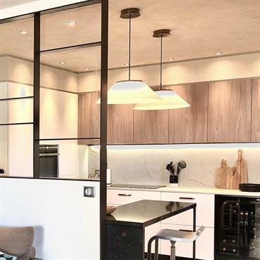 Dans ce projet de rénovation dans le 3e arrondissement de Lyon, il s'agissait de revoir l'espace cuisine en créant une ... Domozoom