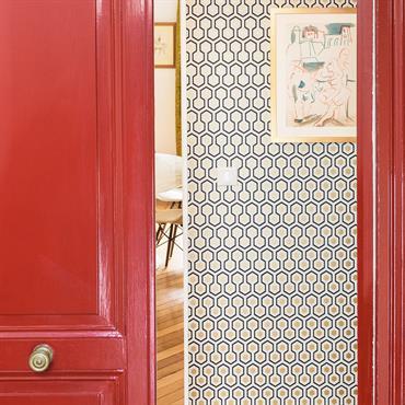 Dans le 10ème  arrondissement de Paris, la décoratrice Marion Alberge a rénové cet appartement haussmannien de 70 m2 où ... Domozoom