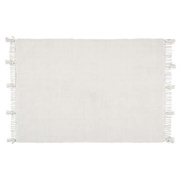 Si vous rêvez d'accentuer le côté lumineux de votre intérieur, le tapis en laine blanche à franges 160x230 PAULETTE est fait pour vous. Posé sur un parquet, dans une pièce ...