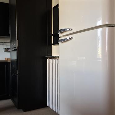 Rénovation d'un appartement à côté de Lyon.  Le bien étant traversant, il bénéficie de nombreuses entrées de lumière naturelle, ce ... Domozoom
