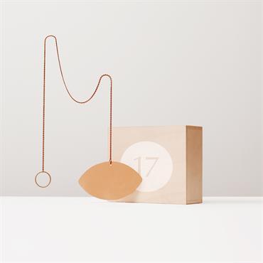 La Designerbox #17 : 'Scorpion', le miroir cuivré imaginé par José Lévy pour Designerbox. Disponible ici : http://bit.ly/1IOBp6X   Domozoom