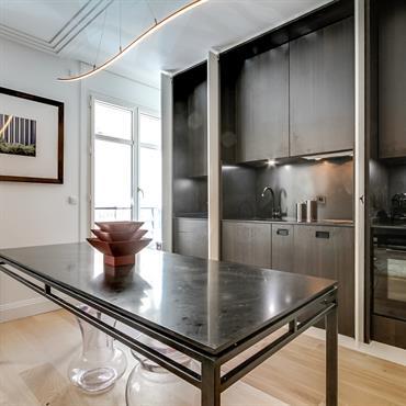 Rénovation d'un pied à terre parisien avec entre autre la création d'une cuisine sur mesure