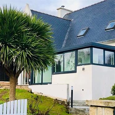 ?? Reportage photo:  Lieux: Landerneau  Démontage et construction d'une véranda.  Les propriétaires de cette maison située a Landerneau dans le ... Domozoom
