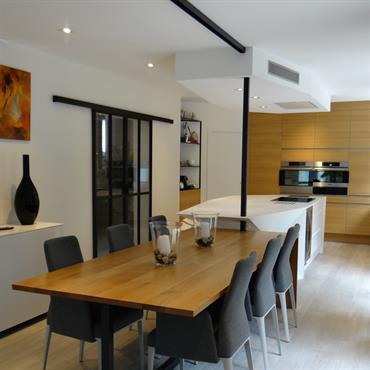 C'est dans une grande maison d'un quartier résidentiel de Sautron que Un Amour de Maison a imaginé une cuisine hors ... Domozoom