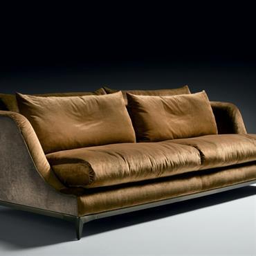 Canapé avec structure en bois de peuplier, avec système de ressort par ceintures élastiques.  Rembourrage en polyuréthane expansé haute densité, ... Domozoom