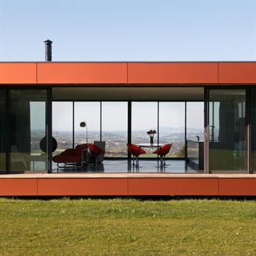 Dans le sillage du mouvement écologique qui souffle sur la construction en France, la maison en paille a le vent ... Domozoom