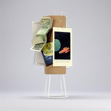 La Designerbox #18 : 'Tseretnip', le porte-photos à habiller imaginé par FX Balléry pour Designerbox. Disponible ici : http://bit.ly/1LcKkCy   Domozoom