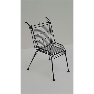 Chaise faite avec du recyclage de chariot de super marché; in and out; galvanisé et peinture époxy  Domozoom