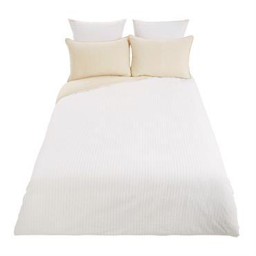 Du blanc et du doré : voilà le mixe parfait pour une déco fraîche et raffinée ! La parure de lit en coton 240x260 EXOCHIC se compose d'une housse de ...