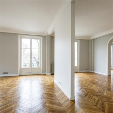 Rénovation d'un Appartement Haut de gamme à Paris © Archibald   Domozoom