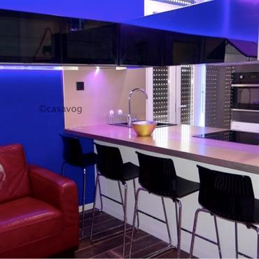 Rénovation d'un appartement conçu pour de la colocation, à Nice. Cet appartement de 65 m2 a été entièrement rénové et réorganisé ... Domozoom