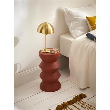 La petite colonne bobine se pose ici et là en table d'appoint ou bout de canapé. Son design simple et moderne s'intègre dans toutes les pièces, tous les intérieurs. Détails ...