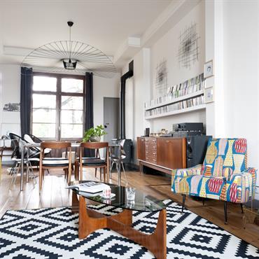 La pièce de vie, véritable centre névralgique de la maison, est un espace ouvert avec différentes fonctions  bien identifiées. ... Domozoom