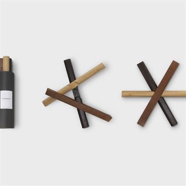Découvrez 'Sticks' la designerbox #22 imaginée par Dan Yeffet : un dessous de plat graphique et pratique. Disponible ici : ... Domozoom