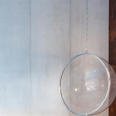 Habillage mural en Panbeton® Classique d'un espace de piscine intérieure à Paris.  Produit : Panbeton® classique Finition/couleur : 200  Crédits photographiques : Julian ... Domozoom