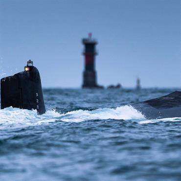 Série de photographies de sous-marin de la Marine Nationale en mer de Bretagne.  Domozoom