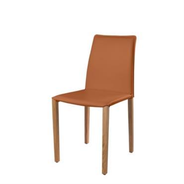 Chaise entièrement gainée de cuir Hauteur : 88 cm Largeur assise : 44 cm Profondeur assise : 40 cm Hauteur assise : 48 cm Fabriquée en France/Cette chaise est fabriquée ...