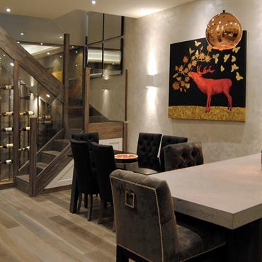 Cuisine résidentielle en béton, Coleherne Mews, Londres  Rénovation d'une maison située dans la région de Kensington. Ilôt en de cuisine, plan ... Domozoom